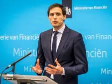 Rekenkamer geeft minister Hoekstra tik op de vingers om aandelenaankoop Air France-KLM