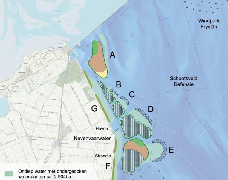 Deel van een kaart waarop de atollen zijn aangegeven waar drijvende zonnepanelen een plaats kunnen krijgen. Eiland A is alleen voor planten en dieren bedoeld. Beeld Deltares en Bureau Waardenburg