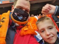 John, Mika, Patrick en Jayden zien Oranje eindelijk weer echt in het stadion: 'Niemand dacht nog aan corona'