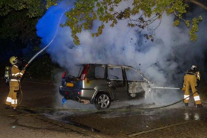 De autobrand op de carpoolplaats in Boxtel.