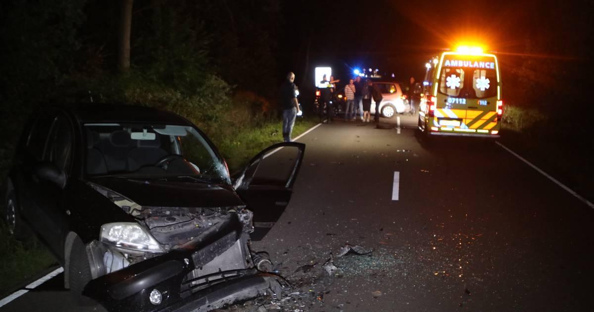 Gewonden bij frontale botsing tussen tractor en twee autos in Bern.