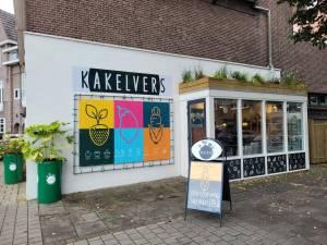 Mannen van Kakel Club openen nieuwe zaak: Kakelvers aan Citadellaan