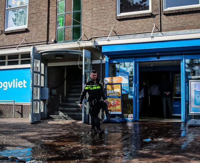 Waterschade in de Hoogvliet aan het Tesselseplein.