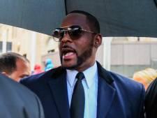 Elf nieuwe aanklachten tegen R. Kelly in misbruikzaak