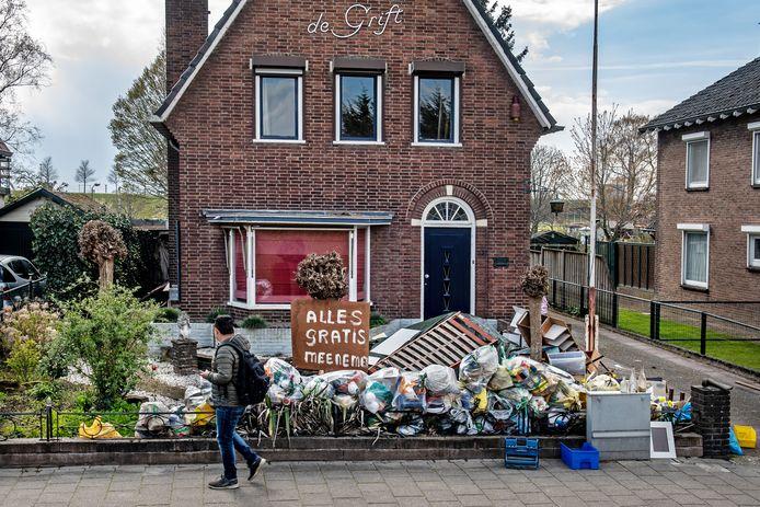 Nijmegen/Nederland:   Alles gratis meenemen! Griftdijk-Zuid