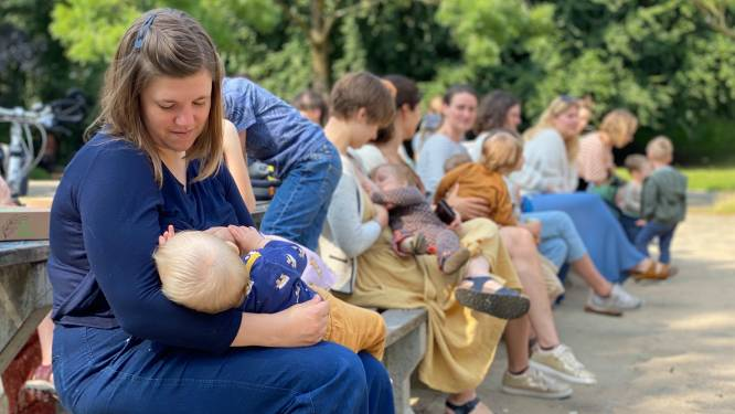 """Des dizaines de mamans réunies dans un parc à Gand pour normaliser l'allaitement en public: """"Plus le bébé est âgé, plus on est dévisagée"""""""