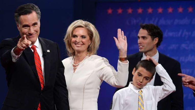 Mitt Romney met zijn familie tijdens het eerste verkiezingsdebat. Beeld afp