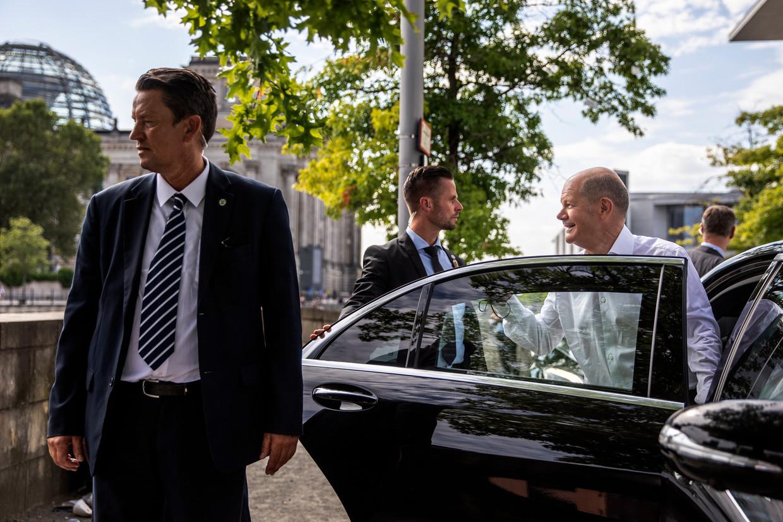 Olaf Scholz, partijleider van de SPD, deze zomer in Berlijn.  Beeld Getty Images