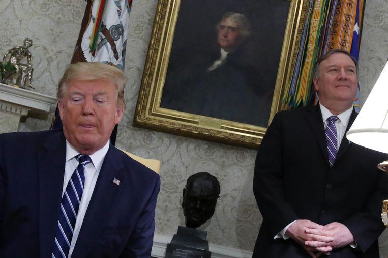 Donald Trump en zijn buitenlandminister Mike Pompeo.  Beeld REUTERS