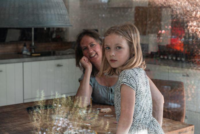 Fotograaf Herman van der Waard zet Dordtenaren op de foto voor zijn project Glashelder.