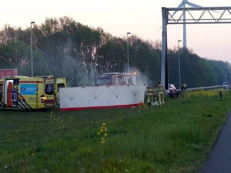 Voetbalwedstrijden Columbia uit Apeldoorn afgelast na ongeluk met vier doden bij Deventer