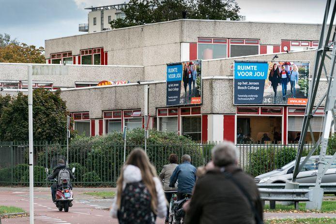 Vereniging Ons Middelbaar Onderwijs (OMO) verwacht iedereen te kunnen herplaatsen bij de sluiting van het Jeroen Bosch College (JBC). De school zag het aantal leerlingen sterk teruglopen.