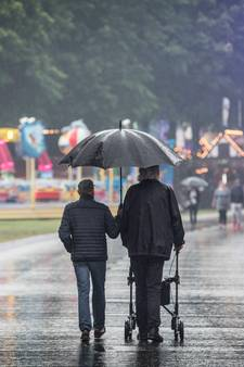 Regen treft IJzeren  Man en park Hilaria
