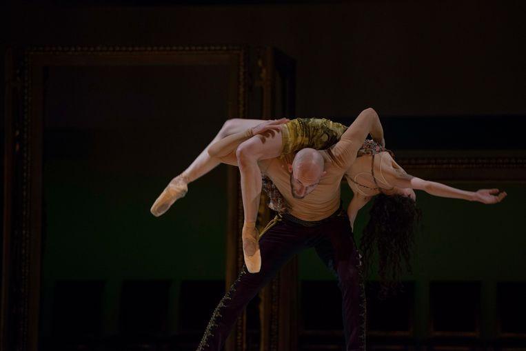 De voorstelling 'Exhibition' in Venetië.  Beeld Ballet Vlaanderen/Ingnaco Urrita