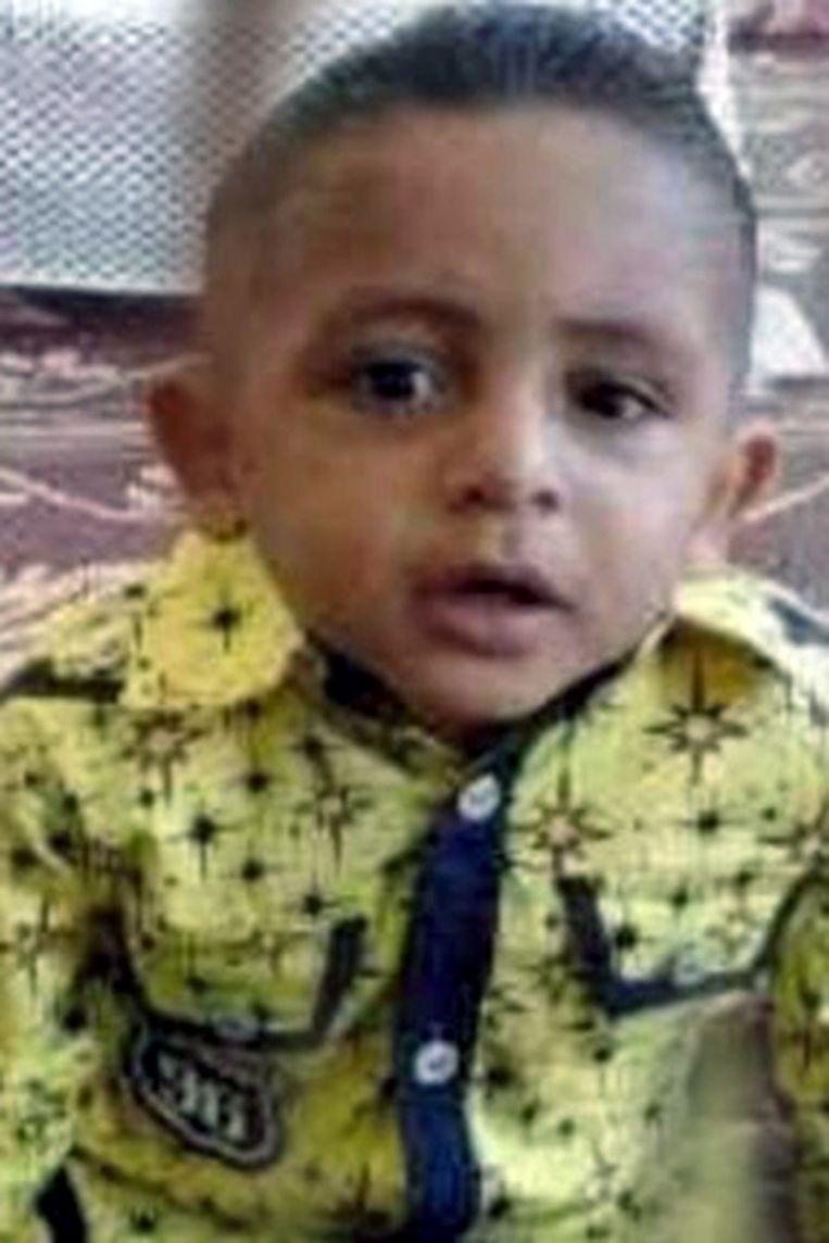 Baraa al-Gharabli (5) werd in Jabaliya in de Gazastrook gedood door een raket. Het zou gegaan kunnen zijn om een projectiel van Hamas dat uit koers was geraakt, stelt een eerste onderzoek van Defense for Children International-Palestine. Beeld NYT