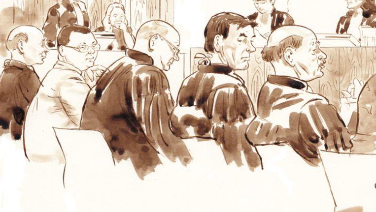 Richard van O. (tweede van links) in de rechtszaal Beeld ANP