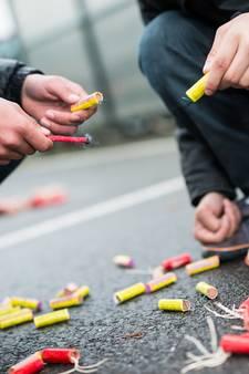 Politie houdt jeugd aan in Sprang-Capelle voor vuurwerk afsteken