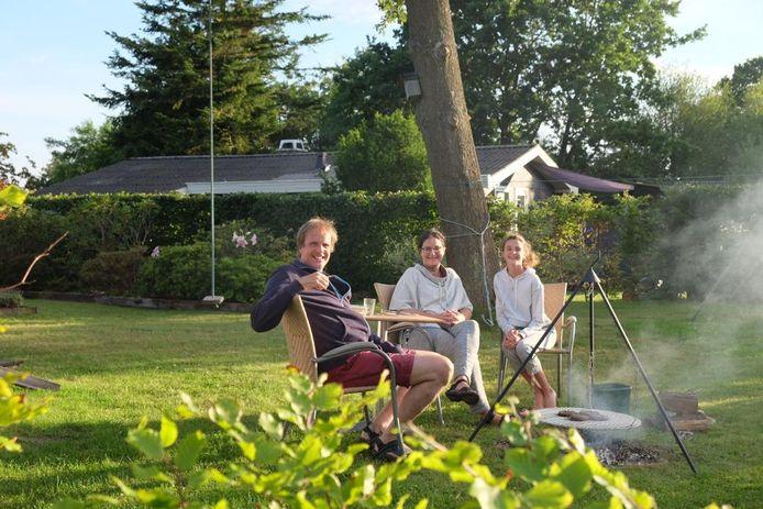 Karin (50) met haar gezin op vakantie in Denemarken.