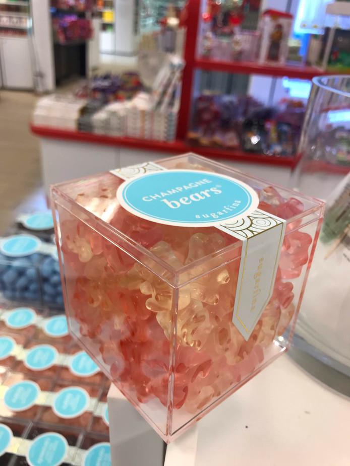 Geen doorsnee-gummibeertjes, maar luxe snoep in cadeauverpakking.