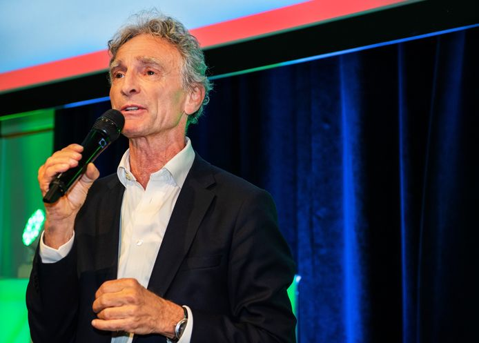 Paul Rosenmöller, voorzitter van de VO-raad.