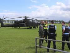 Rokende Apache maakt voorzorgslanding in Brabants weiland
