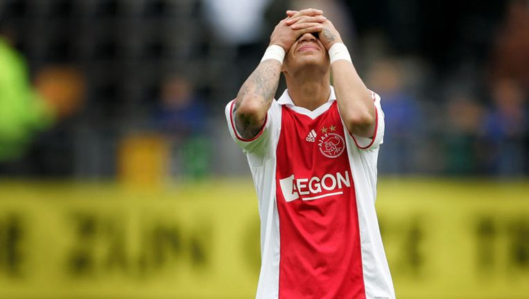 Gregory van der Wiel baalt na afloop van de wedstrijd tegen Roda JC (2-2). Foto ANP Beeld