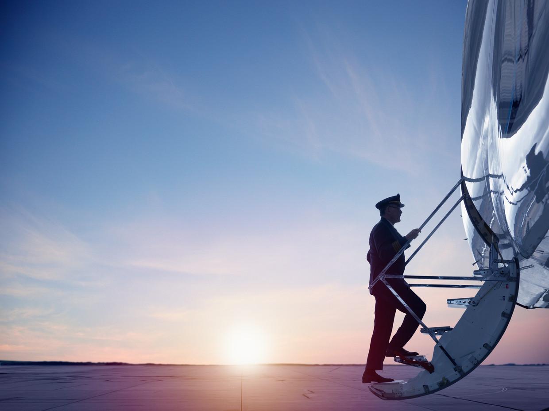 Ondanks dat het afgelopen jaar wereldwijd veel piloten werden ontslagen, geldt deze tijd – door vergrijzing van de pilotenpopulatie – toch niet als slecht instapmoment voor aspirant-vliegers.