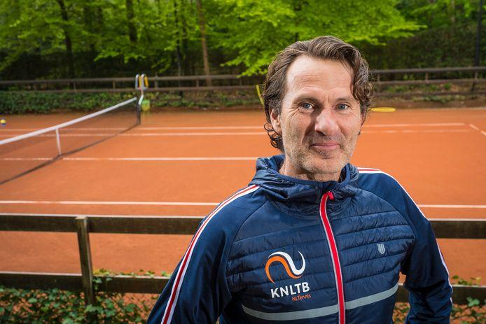 Jacco Eltingh wordt niet de  algemeen directeur van PEC Zwolle. Hij blijf werkzaam voor de tennisbond.
