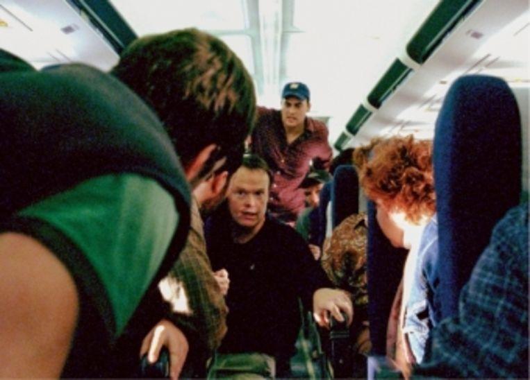 'We gaan met een paar passagiers actie ondernemen. Ik denk dat we de man met de bom gaan aanvallen!' Beeld