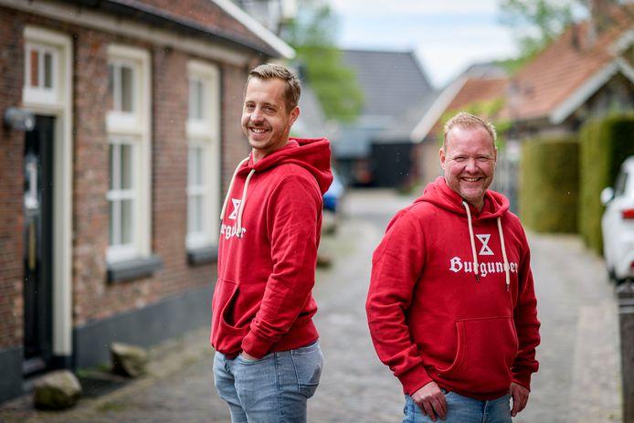 Michiel Toebes (links) en Ronald Bootsma hebben hun hart verpand aan oud-Borne en bier. Dat komt nu samen in Burgunder.