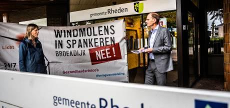 De Rhedense gemeenteraad hoeft niet meer te twijfelen: het verzet tegen windmolens en zonneparken is massaal