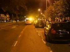 Bestuurder vlucht na ongeluk in Enschede, buurtbewoners houden de man aan