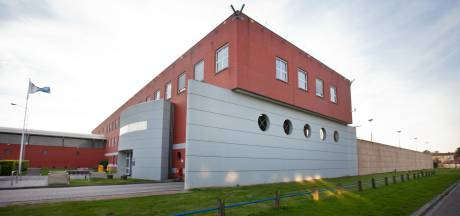 Verdachte man (64) pleegt zelfmoord in Zwolse gevangeniscel