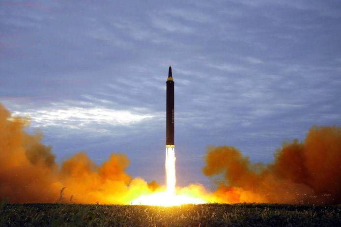 Een illustratiebeeld van een ballistische raket.