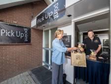 Klant hoeft voor paasbrood bakkerij niet in: bakker Toet in Apeldoorn heeft pick-up point