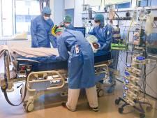Contaminations et admissions à l'hôpital en légère hausse