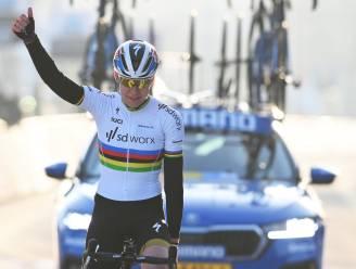 Wereldkampioene Van der Breggen wint Omloop voor vrouwen na uithaal op Bosberg