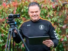Trainer Leen is videoanalist op Curaçao onder Guus Hiddink: 'Bij hem moet je wel kwaliteit leveren'