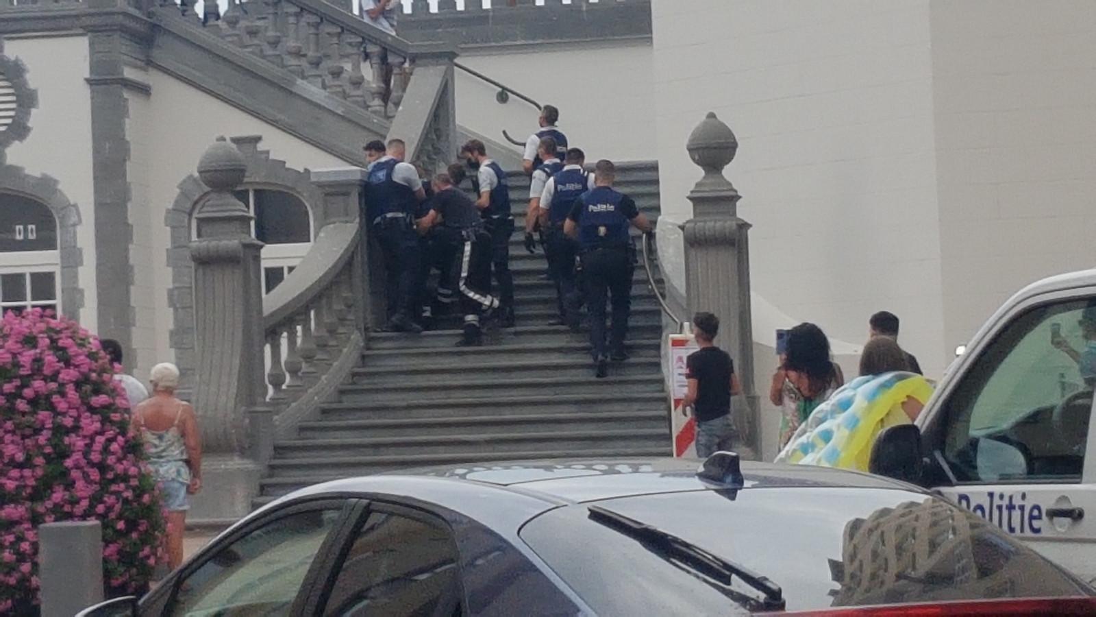 Nog een heethoofd wordt gearresteerd.