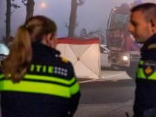 Man (34) aangehouden na vondst dode vrouw in auto bij hotel in Eemnes