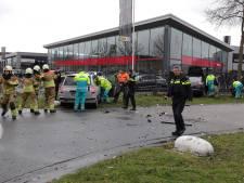 Ravage op de Havenweg in Waalwijk: meerdere auto's met elkaar in botsing