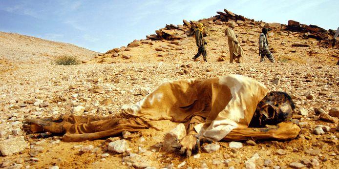 Etnische zuiveringen, honger en nu ook bewezen slavernij: aan de ellende in Darfoer komt geen einde.
