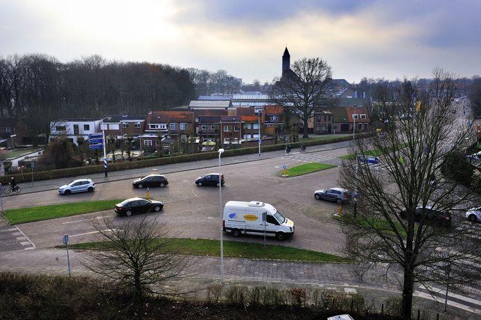 In 2015 werd al gesproken over het aanpassen van de kruising Jacob Obrechtlaan/Erasmuslaan. Een jaar eerder werd de kruising aangemerkt als 'gevaarlijkst' in Bergen op Zoom.