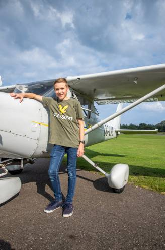 """Daan (15) is wellicht jongste piloot van het land: """"Eerst zenuwslopend, maar nu geniet ik van het uitzicht"""""""