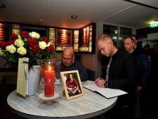 Honderden mensen tekenen condoleanceregister in Breda doodgestoken 'Paultje'