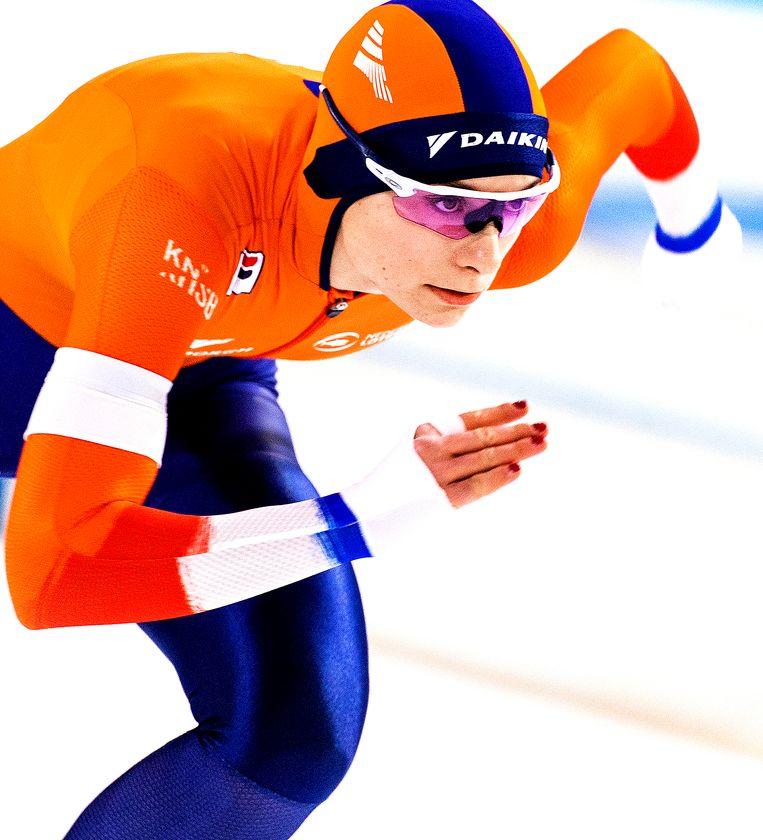 Femke Kok is de eerste Nederlandse vrouw sinds Annette Gerritsen (2011) die een 500 meter in de wereldbeker wist te winnen. Beeld Klaas Jan van der Weij / de Volkskrant