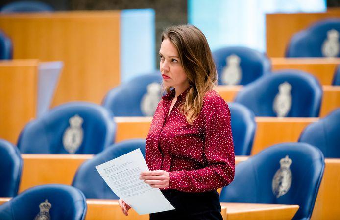 VVD-kamerlid Bente Becker tijdens het Vragenuurtje in de Tweede Kamer.