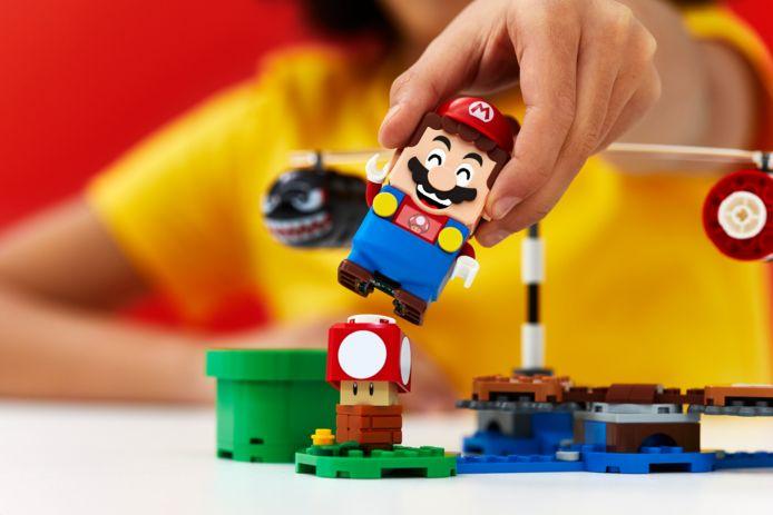 Bovenop de figuren staat een streepjescode, die de Mario-figuur herkent door middel van zijn sensor in de voeten.