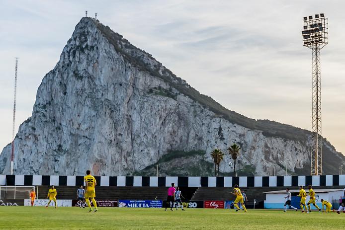 De wedstrijd werd gespeeld in het Estadio de Municipal de La Linea de la Concepción, grenzend aan Gibraltar.