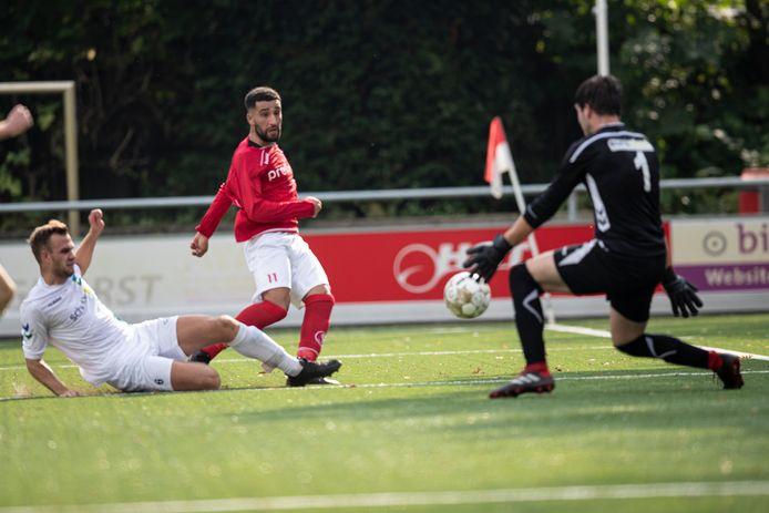 Deze kans voor Achilles'12 wordt nog onschadelijk gemaakt. De Hengelose ploeg won het thuisduel tegen SDC'12 met 2-0.